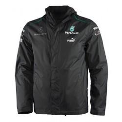 Blouson Mercedes AMG Petronas Team F1 de couleur noir